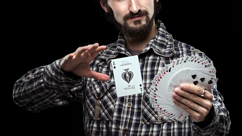 This file photo shows the beginning of a card trick (Nikolay Ivanov)