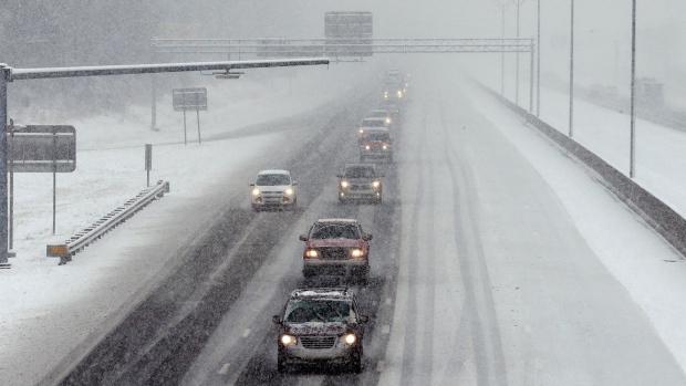 Motorists navigate a snow-covered Interstate 40-85 near Mebane, N.C., Wednesday, Jan. 17, 2018. (AP / Gerry Broome)