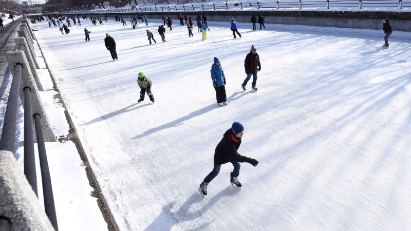 People skate on the Rideau Canal Skateway on Family Day in Ottawa on Monday, Feb. 15, 2016. (Justin Tang/THE CANADIAN PRESS)