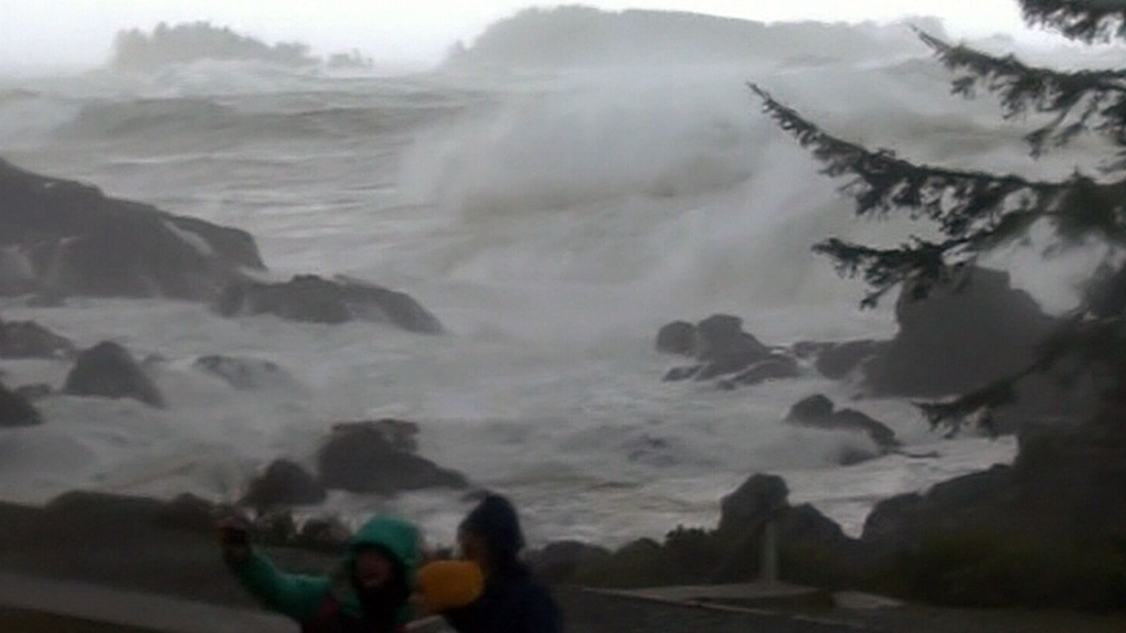The Wave Nanaimo >> Ucluelet Tofino Hit By Largest Waves In A Decade Ctv News