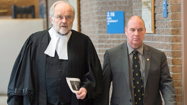 Thomas Harding, right, leaves the courtroom with his lawyer Tom Walsh, after the jury had a question as they enter their ninth day of deliberations Friday, January 19, 2018 in Sherbrooke, Que. (THE CANADIAN PRESS/Ryan Remiorz)