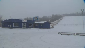 The Edmonton Ski Club will reopen its doors on February 1.