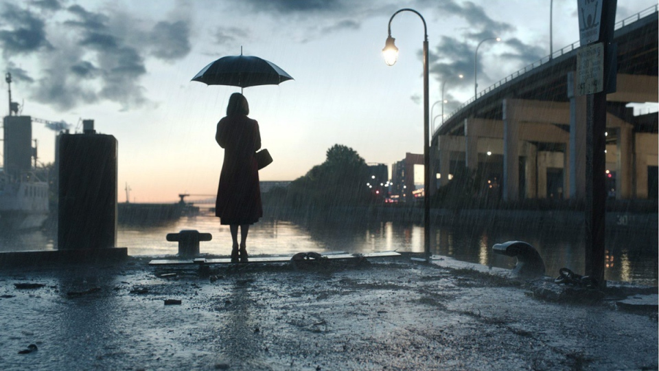 A scene from 'The Shape of Water,' with Toronto's identifiable skyline edited out. (THE CANADIAN PRESS / HO-Fox Searchlight / Mr. X)