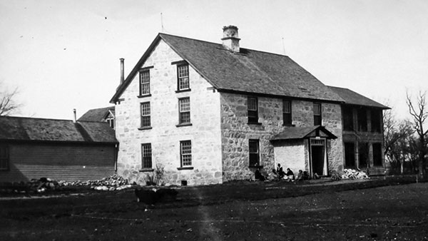 Dynevor Indian Hospital is seen during the 1920s.  (Source: Archives of Manitoba, Rupert's Land Collection 152, N29451)