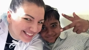 Amber Gotzmeister spent a month in India helping victims of acid attacks and those who suffer from vitiligo.