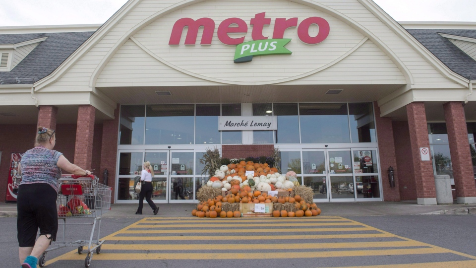 A Metro supermarket is seen on Sept. 27, 2017 in Ste. Marthe-sur-le-Lac, Quebec. (Ryan Remiorz / THE CANADIAN PRESS)