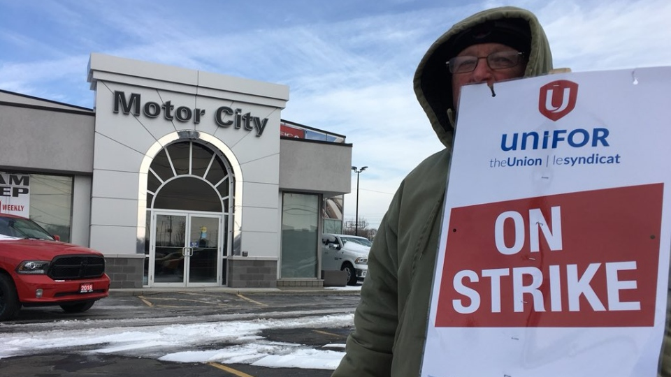 About 65 Motor City Chrysler workers are on strike in Windsor, Ont., on Wednesday, Jan. 31, 2018. (Chris Campbell / CTV Windsor)