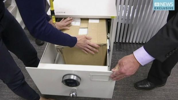 Secret Australian govt files 'sold at second-hand shop'