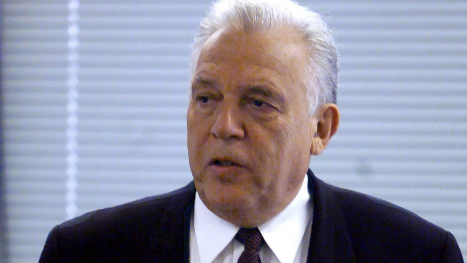 Former NDP Premier Dave Barrett is seen at a hearing in Vancouver on Wednesday May 3, 2000 in Vancouver. Former British Columbia premier Dave Barrett has died at the age of 87. THE CANADIAN PRESS/ Chuck Stoody