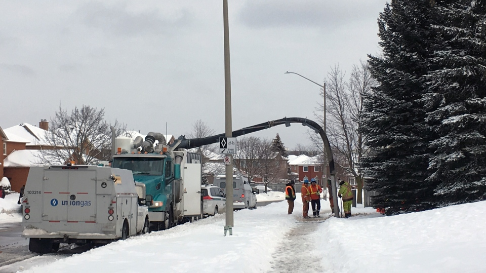 Workers deal with a gas leak at Clemens Mill Public School in Cambridge on Wednesday, Feb. 7, 2018. (Emma Ens / CTV Kitchener)