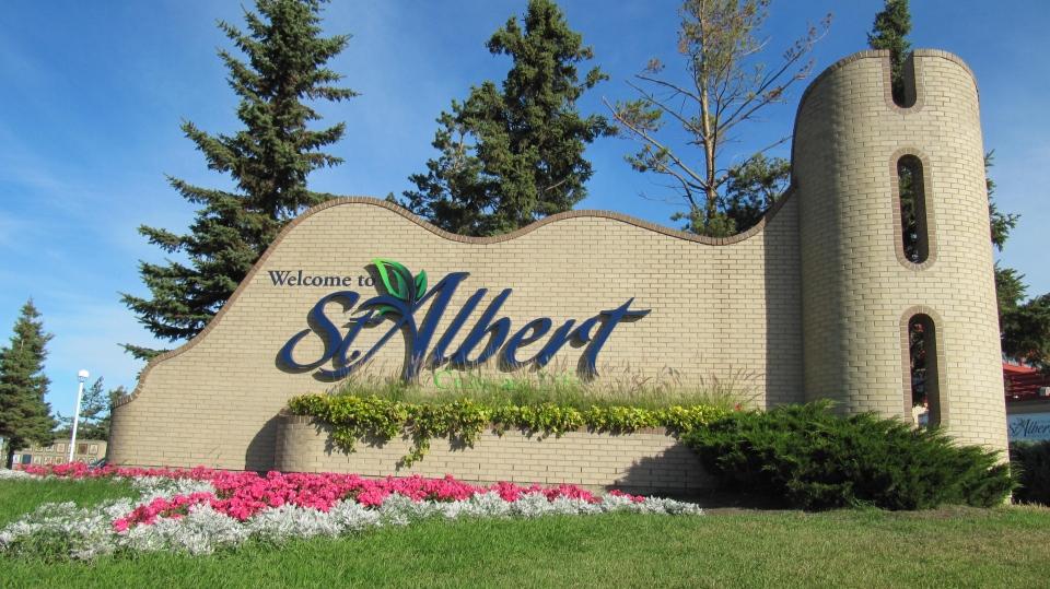 St. Albert Entrance Sign