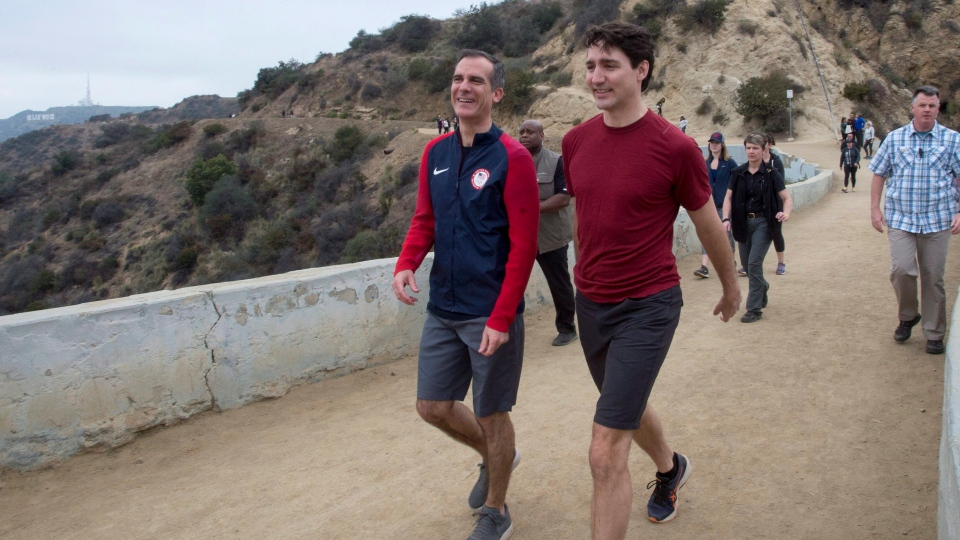 Prime Minister Justin Trudeau and Los Angeles Mayor Eric Garcetti during a visit to Griffith Park Saturday, February 10, 2018 in Los Angeles. (THE CANADIAN PRESS / Ryan Remiorz)