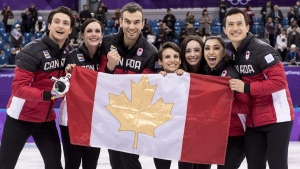 Olympic roundup: Veteran figure skating team wins Canada's first gold