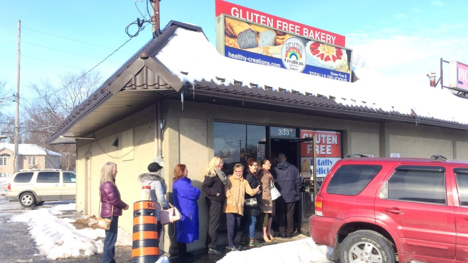 Line up outside Healthy Creations gluten-free bakery in Windsor on Feb. 13, 2018. (Michelle Maluske / CTV Windsor)