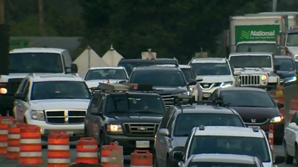 Construction clogs up commute on Highway 1
