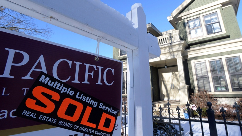 Vancouver real estate: Benchmark home price falls below $1M in June: real estate board