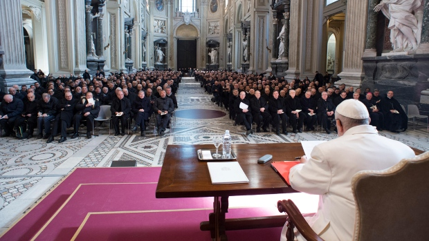 Pope Francis meets the Roman curia