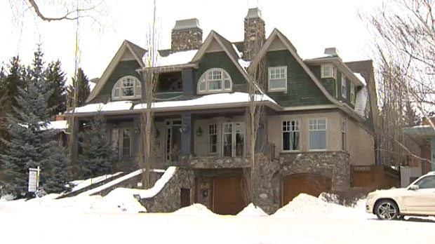 The owners of this multi-million dollar home in Collingwood had listed it for about two and half years but had no buyers willing to take the plunge.