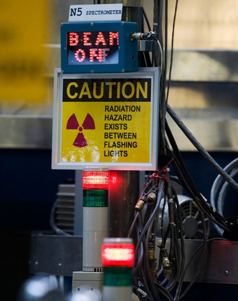A digital meter is illuminated outside of the nuclear reactor at the Atomic Energy Canada Limited plant in Chalk River, Ontario, Wednesday, December 19 2007. (Fred Chartrand / THE CANADIAN PRESS)