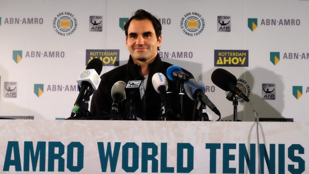 Federer one win from rankings summit after Kohlschreiber success