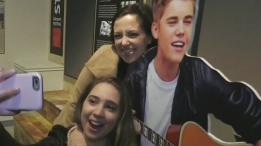 Justin Bieber exhibit a big hit with fans