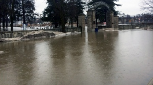 Water floods the entrance to Riverside Park in Cambridge on Tuesday, Feb. 20, 2018. (David Pettitt / CTV Kitchener)