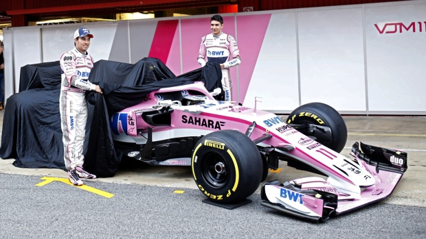 Force India drivers unveil the new team's car