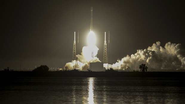 Hispasat communications craft set for launch on Falcon 9 rocket