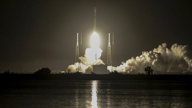 Hispasat communications craft set for launch on Falcon 9 rocket