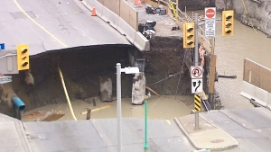 Sinkhole causes LRT delays: Who's to blame?