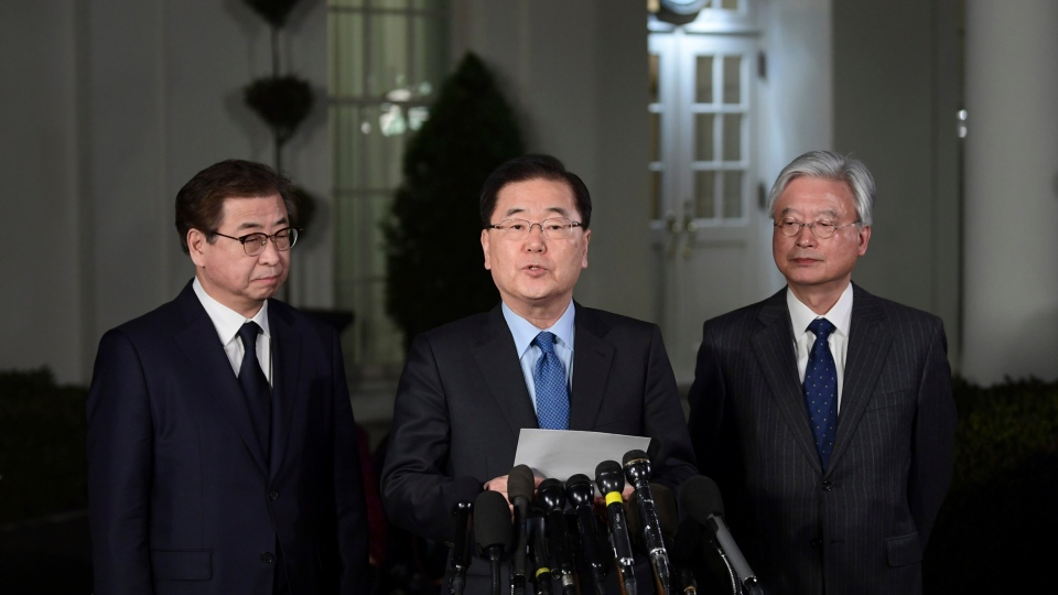 South Korean national security director Chung Eui-yong, center, speaks to reporters at the White House in Washington, Thursday, March 8, 2018. (AP Photo / Susan Walsh)