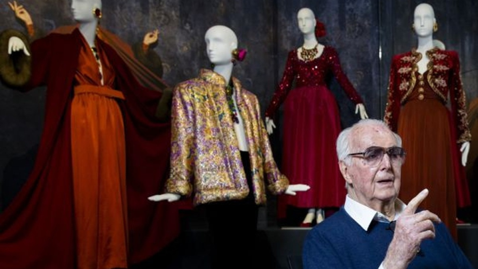 Hubert de Givenchy posing at the Gemeentemuseum in The Hague, on November 23, 2016. (Bart Maat / ANP / AFP)