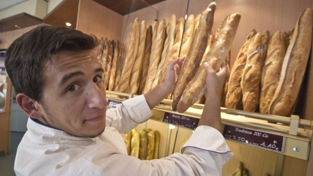 Au revoir, baguette! France goes burger-mad
