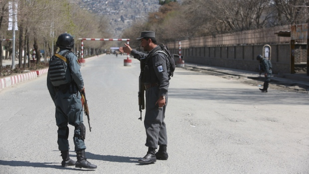 Suicide attack in front of Afghanistan university