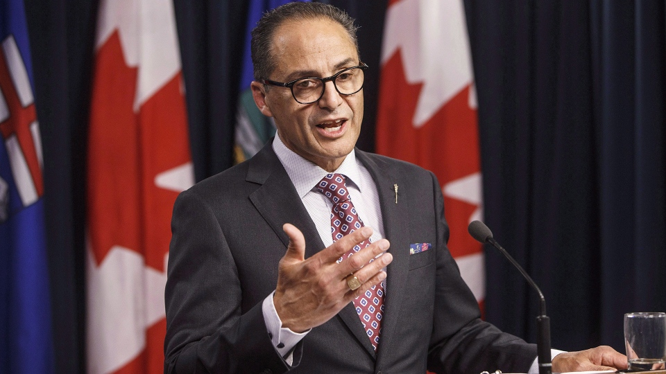Alberta Finance Minister Joe Ceci speaks about the Government of Alberta's 2016-17 year-end financial results, in Edmonton on June 29, 2017. (Jason Franson / THE CANADIAN PRESS)