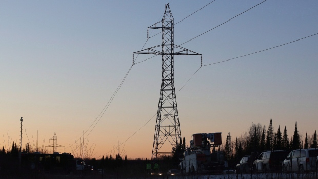 Hydro power lines can be seen near Tweed, Ont., on Dec. 14, 2017. (THE CANADIAN PRESS / Lars Hagberg)