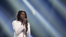 Daniel Caesar performs at the Juno Awards in Vancouver, Sunday, March, 25, 2018. (THE CANADIAN PRESS/Darryl Dyck)