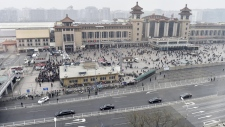 Motorcade arrives at Beijing Railway Station
