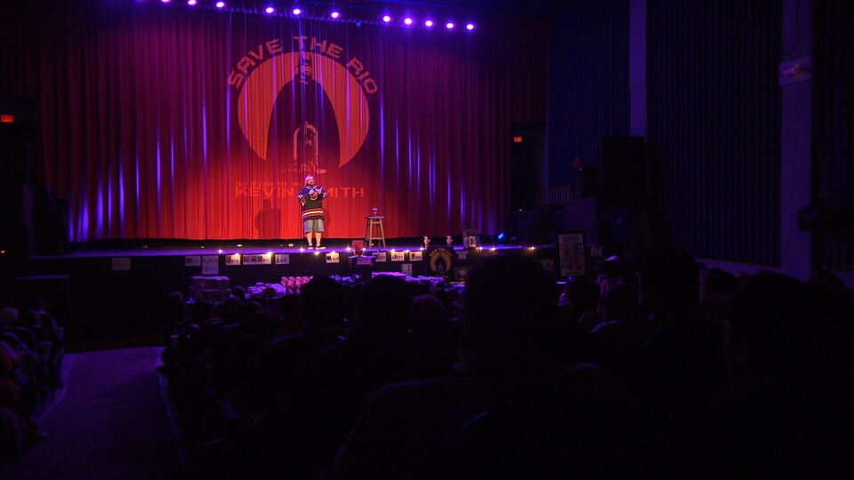 Kevin Smith entertained Vancouver audiences in support of the Rio Theatre, a Vancouver landmark with an uncertain future.