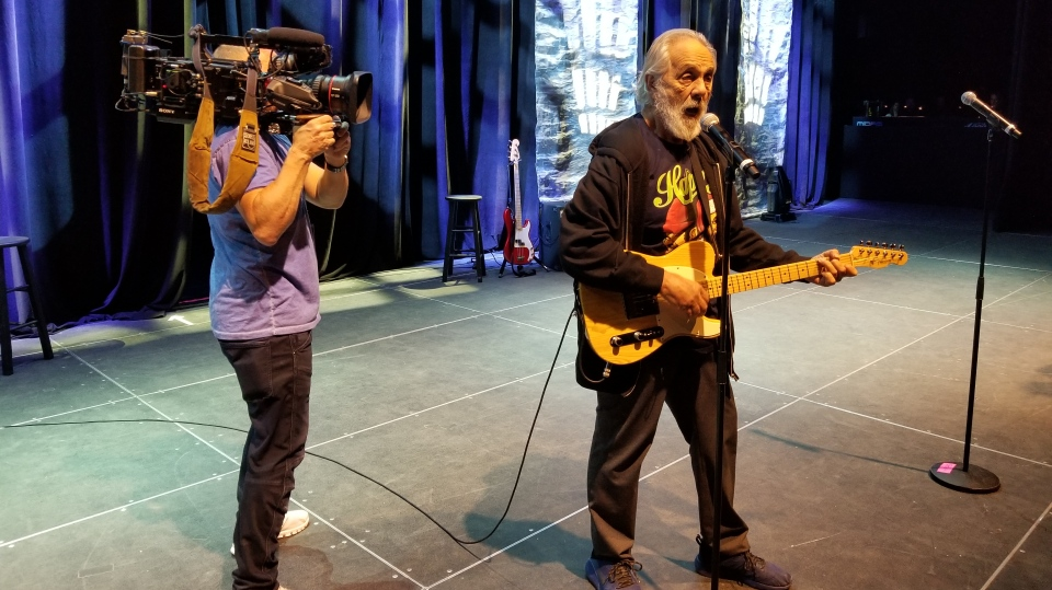 W5 exclusive sound check with Tommy Chong (Photo: Paul Haber)