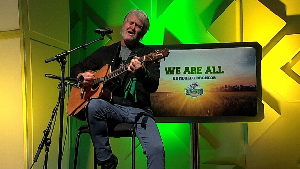 Extended: Tom Cochrane pays tribute