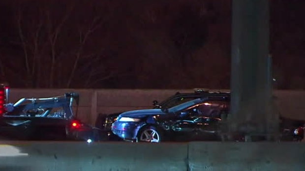 1 dead in crash on Hwy. 401 in Pickering