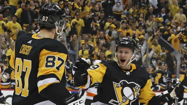 221759dd7f5 NHL scores  Crosby nets hat trick as Penguins hammer Flyers 7-0 ...
