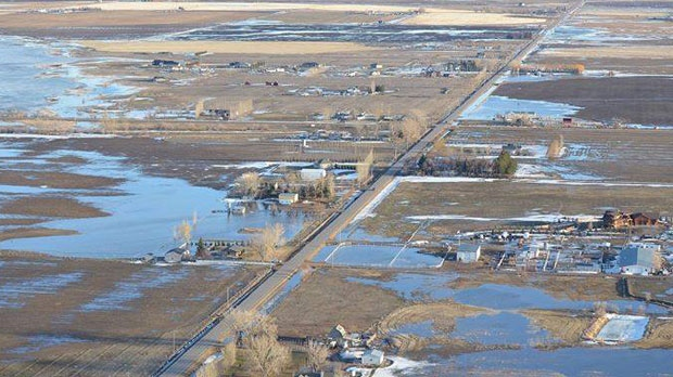 There is no mandatory evacuation in place, but people who want to get out of their homes can go to the reception centre at the Heritage Inn in Taber. (Supplied/Mark Valgardson)