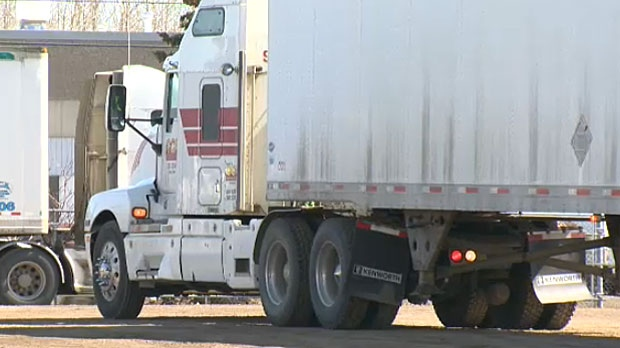 Trucking Jobs Calgary >> Alberta Considers Mandatory Truck Training For Drivers Ctv