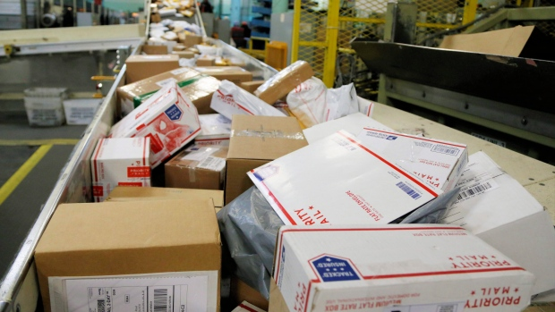 USPS worker hoarded over 17000 pieces of mail