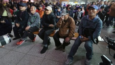 South Koreans watch summit