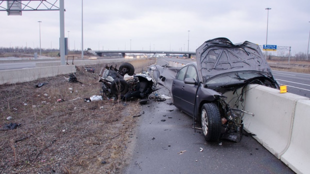 Single-vehicle crash on Highway 403 in Mississauga leaves one person dead