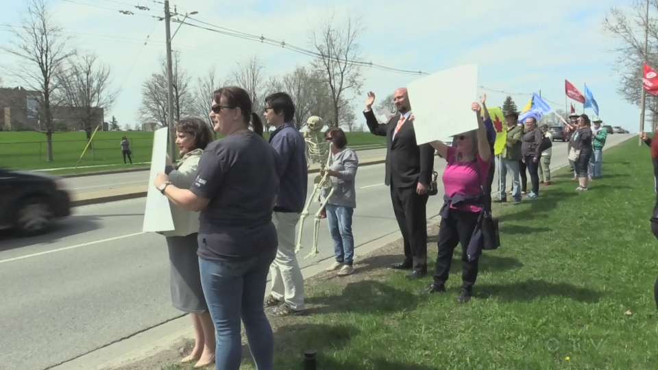 London Health Coalition holds rally at LHSC