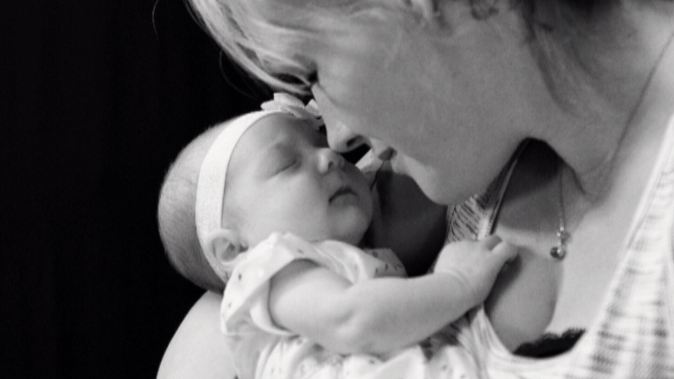 Noel MacDonald has spent eight years capturing emotional moments between newborns and mothers with addictions.